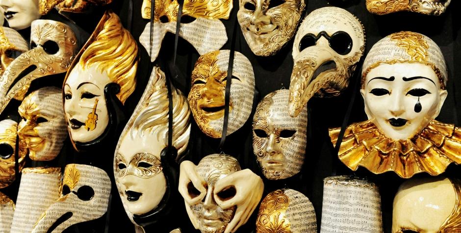 Qui a dit que les masques sont là pour nous cacher?